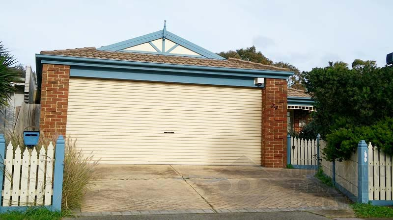 Classic Cream Roller Garage Door