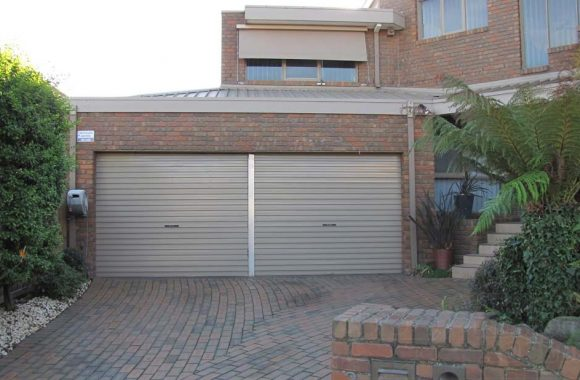 Jasper AA Series Garage Roller Door With Center Mullion