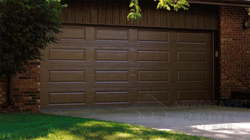 Ranch Design Panel/Sectional Garage Door